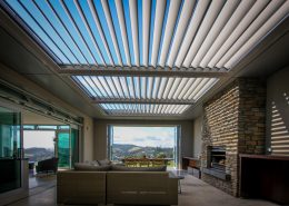 Pergolas Bioclimatic Structure in the sitting area of a home